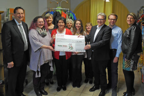 """Hilfsfonds Rest Cent"" unterstützt Robin Hood e. V. in Frontenhausen"