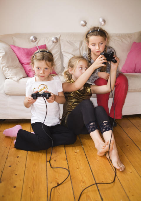 TV-spel och flickor