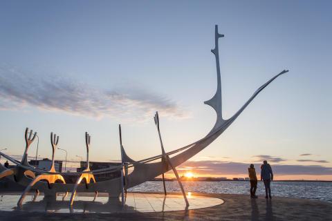 Vikingaskepp Island