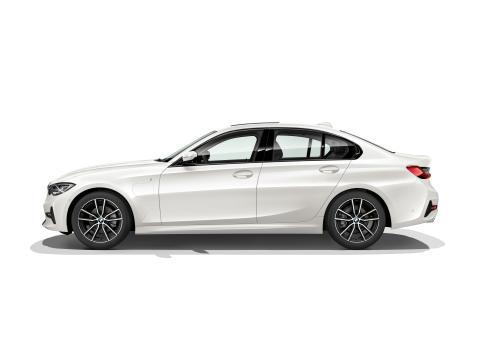 Uusi BMW 330e Plug-in Hybrid Sedan: urheilullisempi ja tehokkaampi kuin koskaan