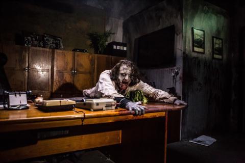 Premiär för skräckhuset Zombie