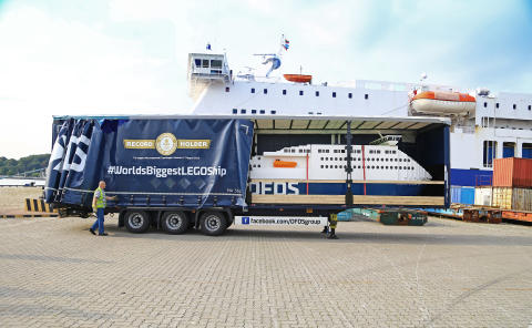 DFDS LEGO Schiff_Ankunft per Fähre ATHENA SEAWAYS