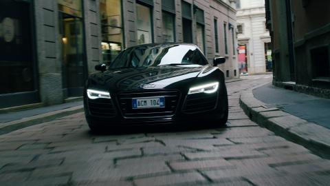 TOYO TIRES Launches Video Campaign Audi R8 in Street Race vs AC Milan