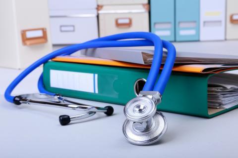 Patientenakte als Bumerang – wenn unbekannte Diagnosen den Versicherungsschutz gefährden