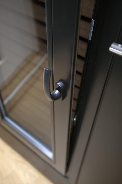 Värmdö 390 med öppningsbart fönster