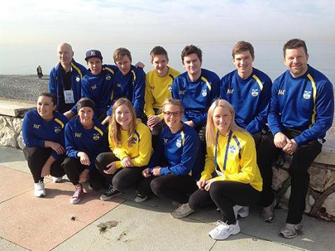Rutinerade svenska lag på junior-VM i Sotji