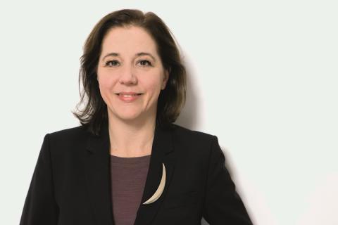MANZ Porträt des Monats: Bunt und geradlinig - Sabine Kirchmayr-Schliesselberger