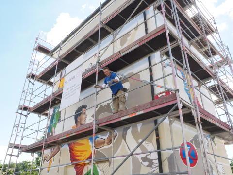 Kunst am Trafo: Sportliches Motiv in Auerbach