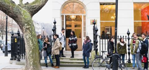Regeringen skjuter sig själv i foten med nya reglerna för utlandsstudier.