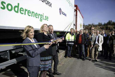 Invigning av Sveriges första 74-tons flisfordon