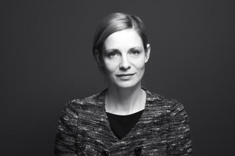 Charlotta Jonsson, inläsare till Centralgången, julkalendern 2018 Foto: Emma Duggan