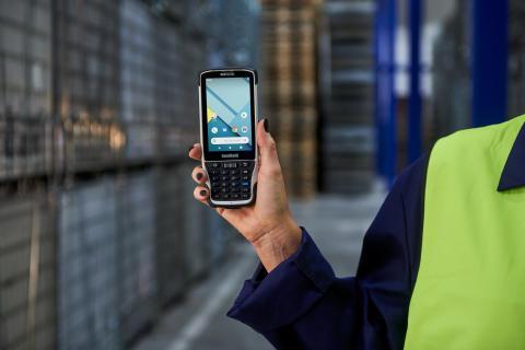 Nautiz-x41-rugged-mobile-computer-warehouse-logistics