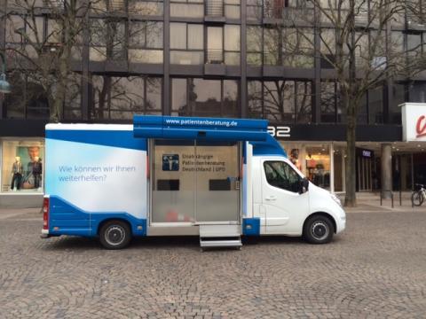 Beratungsmobil der Unabhängigen Patientenberatung kommt am 11. Mai nach Aachen.