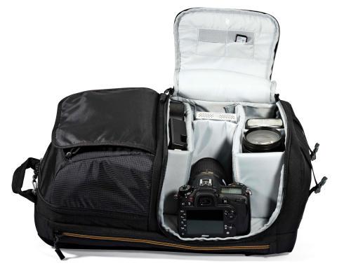 Lowepro Fastpack II 250 AW med åpen kameradel