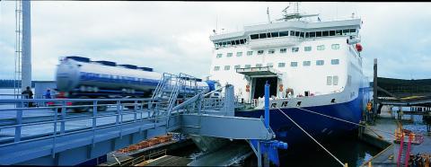 Avainta hyväksyi sovintoesityksen satamien työriidassa