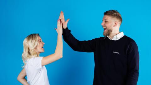 Läxhjälpsföretag bjuder Sveriges skolor på föreläsning om studieteknik