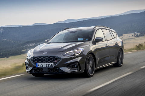 FORD_2019_FOCUS_ST_Wagon_Magnetic_08