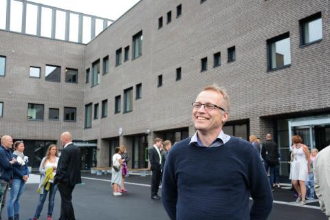 Moderne skole åpnet med dans