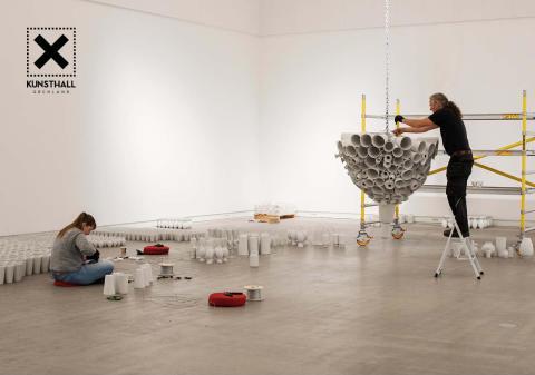Over 2000 vaser fra Porsgrunds Porselænsfabrik blir til spektakulær kunst!