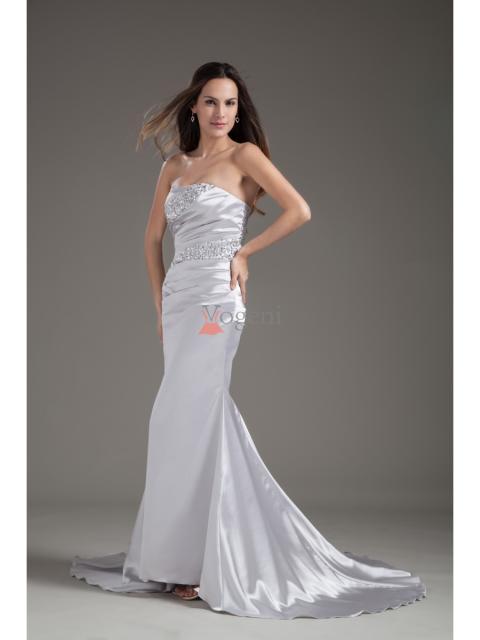 Att hitta en perfekt och prisvärd balklänning