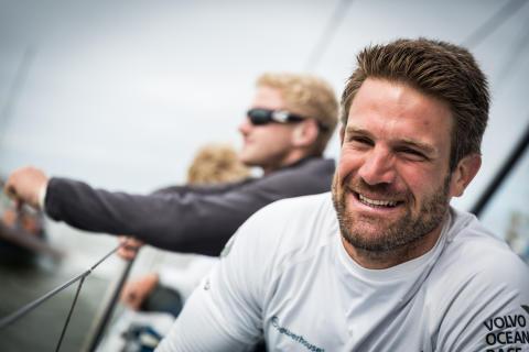 Först ut i Volvo Ocean Race - team AkzoNobel