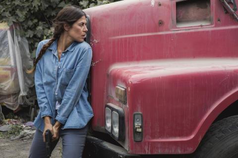 Karima McAdams i spionserien Deep State - Premiär på FOX april 2018.