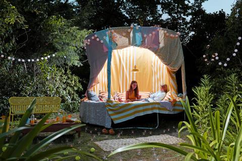 Top-Trend Sommer 2020: Das Trampolin wird zum Outdoor-Wohnzimmer.