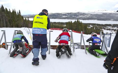 Lofsdalen snowracerløb i skicrossbanen