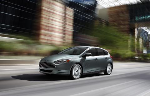 Fords första helt eldrivna personbil, Focus Electric, visas upp på 2012 års bilmässa i Genève