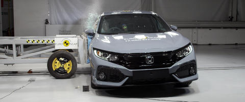 Honda Civic - side crash test - Nov 2017