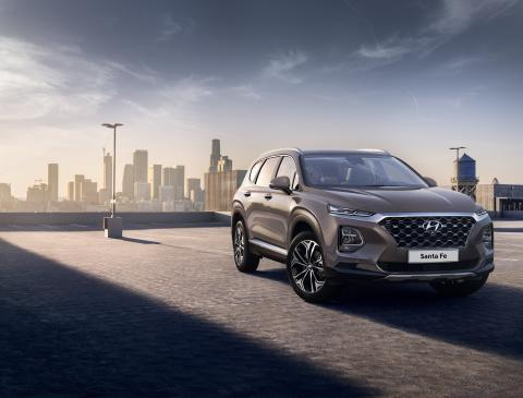 Hyundai släpper första bilderna på nya Santa Fe