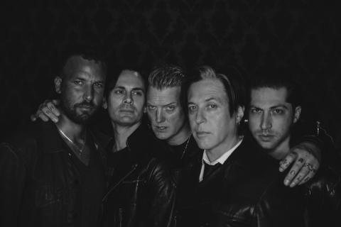"NY MUSIKKVIDEO FRA QUEENS OF THE STONE AGE – ""THE WAY YOU USED TO DO"""