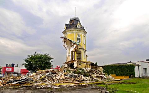 DEBATT: Som vore det krig - Om ett svenskt kulturarv i fritt fall