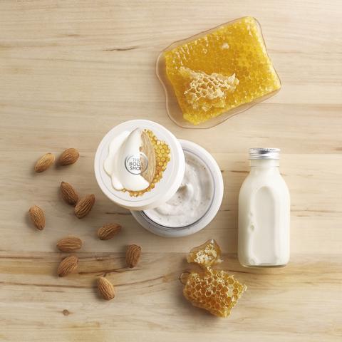 Almond Milk & Honey Body Scrub_kr219