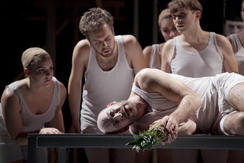 Opera - dead or alive?