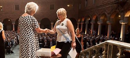 De första specialistsjuksköterskorna i Sverige med inriktning mot akutsjukvård, diabetesvård, hjärtsjukvård och palliativ vård