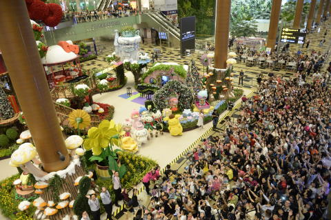 Say 'Hello' to Hello Kitty & Friends  at Changi Airport this Christmas