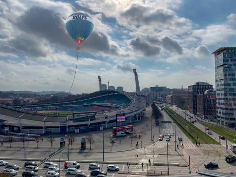 Rolfs Flyg & Buss satsar på luftballongresor, och byter samtidigt namn