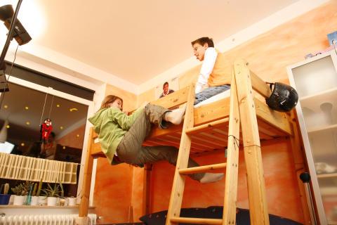 Die meisten Unfälle mit Kindern passieren im Haushalt oder auf dem Spielplatz