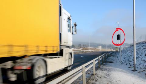 Latvisk vogntog med AutoPass-brikke