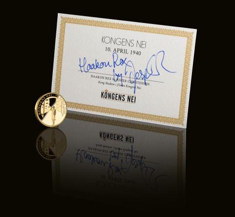 """Verdens første minnemedalje i rettferdig """"Fairmined"""" gull, sertifikat signert av skuespiller Jesper Christensen, Alias Haakon VII Rex"""
