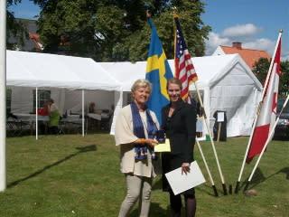 Agneta Nilsson och Carol Hendrichsen från amerikanska ambassaden
