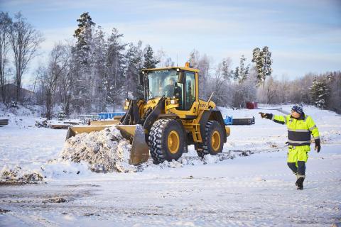 Rekarneskolans Volvo L60F i arbete i Ekeby grusgrop