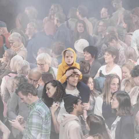 """Världspremiär på Örebro Teater – Sara Giese regisserar Roland Schimmelpfennigs """"100 sånger"""""""