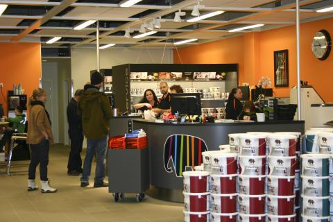 Caparols butik i Upplands Väsby (2)