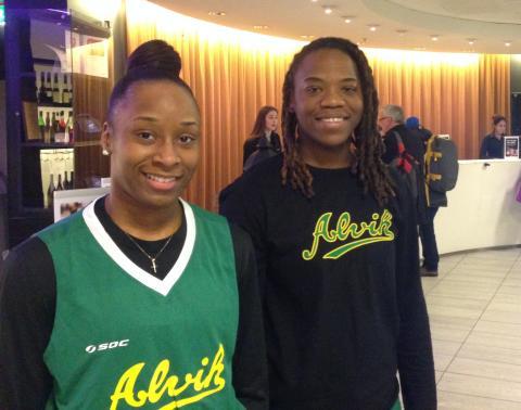 Två amerikanskor klara för Alvik Baskets damlag