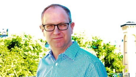 Fredrik Malmberg fortsätter som barnombudsman