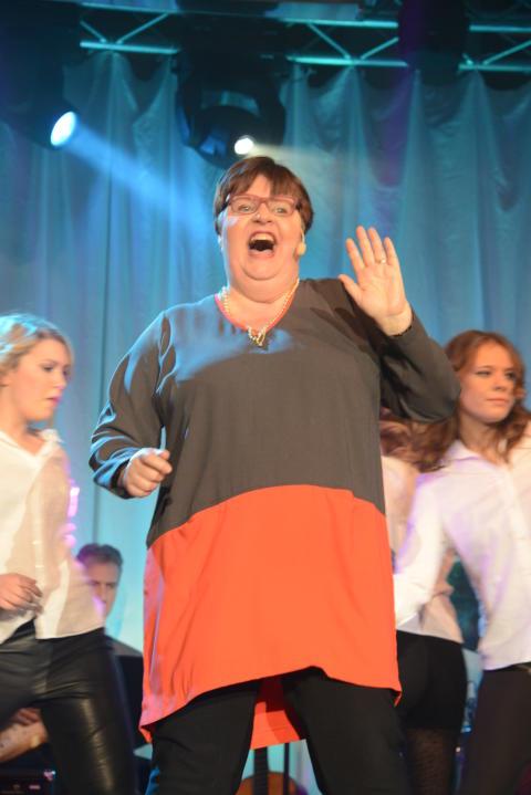 Anetta Elvung från Södermalm på andra plats i Väsby melodifestival 2013