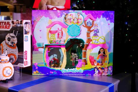DreamToys Top 12 Toys - Enchantimals Playhouse Panda Set