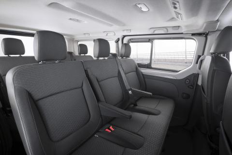 Opel-Vivaro-Combi-Plus-308342